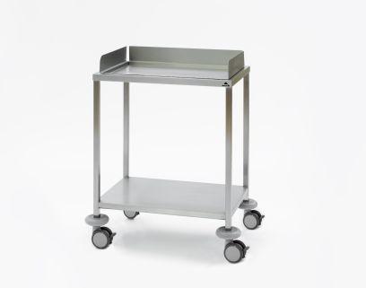 Instrumententafel 650 x 450 x 900 mm met ingelegd, verzonken bovenblad met opstaande rand aan 3 zijden en gelast onderblad, 4 dubbele wielen ø 100 mm